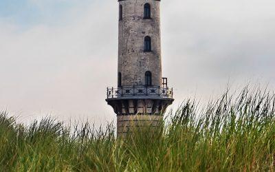 IMG_2746_Mecklenburg-Vorpommern_-_Warnemnde_-_Leuchtturm-mit-Dnengras_-_klein-Web