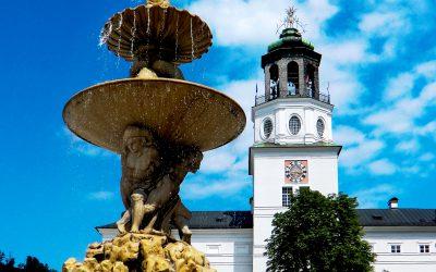 CIMG2323_Österreich_Salzburg_-_Brunnen_und_Kirchen_kl