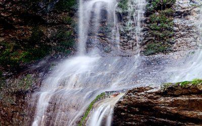 IMG_0351_Klingender_Wasserfall_Haimendorf_Close-up_kl