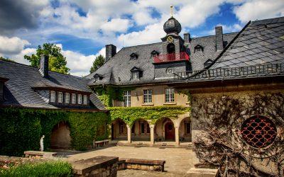 IMG_7502_Villa_Burgfried von rechts_kl