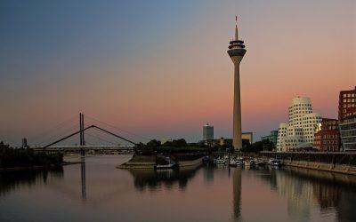 IMG_9198_NRW_Düsseldorf_Medienhafen_bei_Sonnenuntergang_mL_kl